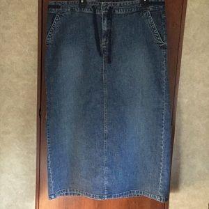 Ladies Old Navy Blue Denim Skirt Size 18 Stretch